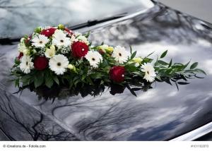 Autodeko Hochzeit : Autoherzen, Blumengesteckhalter