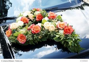 Hochzeitsdekoration: Autoschmuck