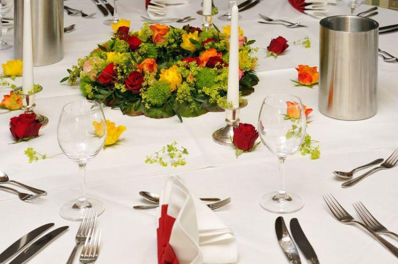 Blumenschmuck Fur Runde Tische Basteln