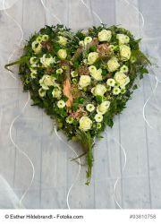 Blumensteckmasse Herz 40 cm, Holzunterlage