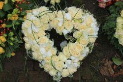 Blumensteckmoos-Herz m. Ständer, 20  cm