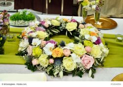 Blumen-Steckschaum Kranz, Gießrand, Wassersp., 25 cm